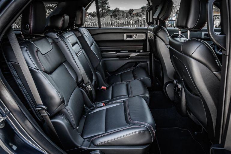 Ford Explorer Plug-In Hybrid - cicha jazda w trybie bezemisyjnym i duże możliwości w terenie