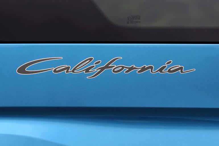 Volkswagen Caddy California z mini kuchenką oraz dachem panoramicznym - ideał na camping?