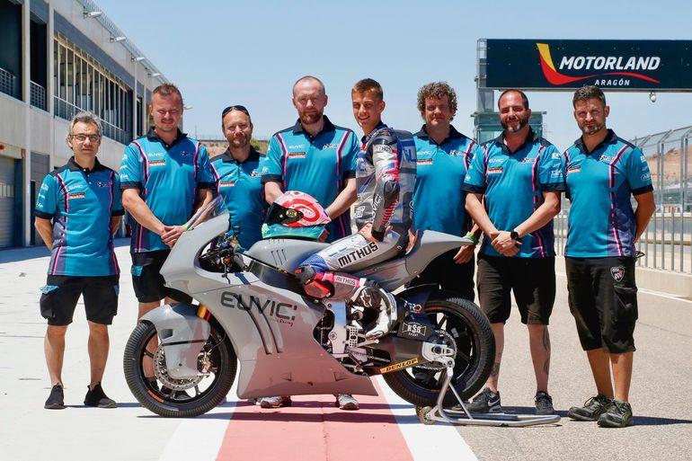 Świetny wynik kwalifikacyjny Piotra Biesiekirskiego w Moto2