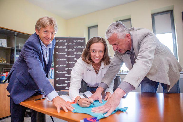 Utalentowana tenisistka Iga Świątek nawiązuje współpracę z Lexus Polska