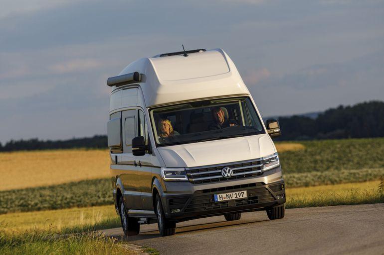 Volkswagen Grand California - przytulny dom na kołach dla 4 osób