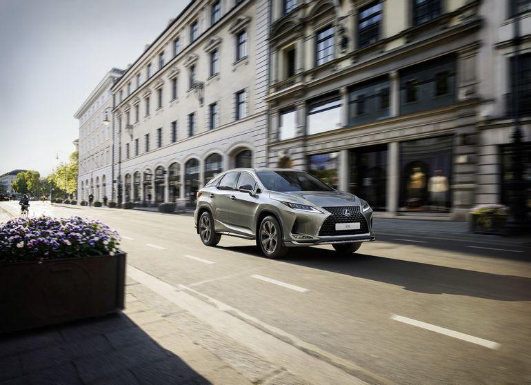 Lexus RX debiutuje w nowej stylowej edycji limitowanej Sport Edition