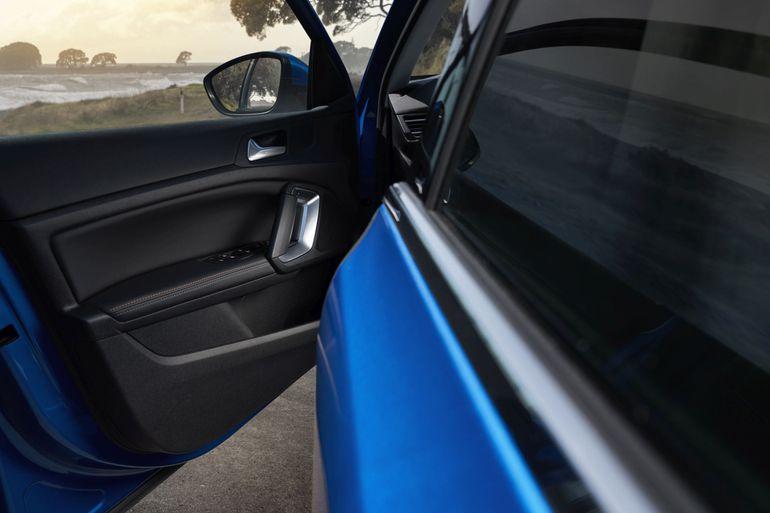 Peugeot 308 Roadtrip - francuski podróżnik wyjeżdża na drogi