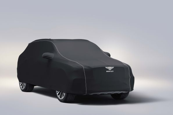 Nowy Bentley Bentayga ze sportowym układem wydechowym Akrapovič i specjalną kolekcją akcesoriów