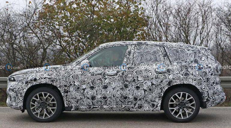 Nowe BMW X1 2022 - przyłapane w kamuflażu!