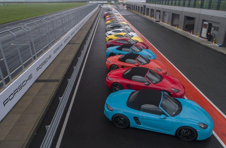 Porsche Experience wraca na tor. Nowością będą jazdy testowe Porsche Taycan
