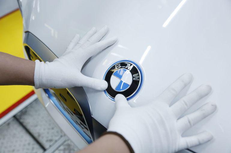 Pierwsze, w pełni elektryczne BMW iX3 zjeżdża z linii produkcyjnej