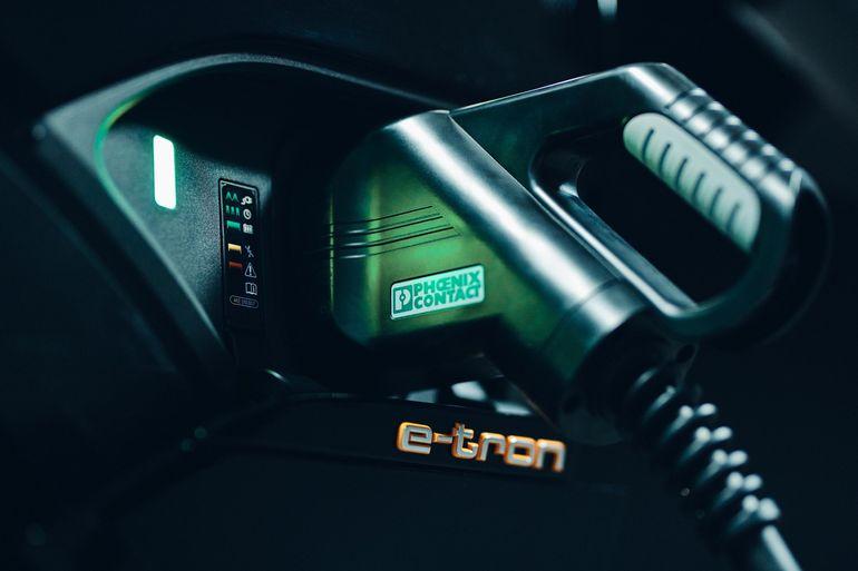 Audi prowadzi badania nad techniką ładowania samochodów elektrycznych metodą dwukierunkową