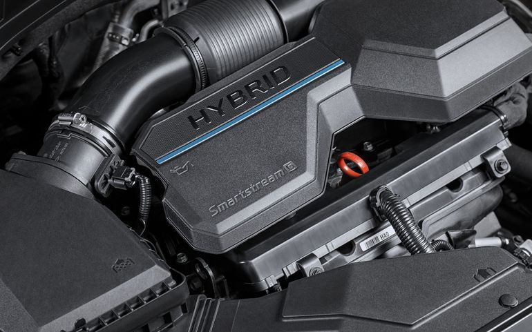 Hyundai Santa Fe wyjeżdża na drogi. Wiemy, ile kosztuje wersja Hybrid!