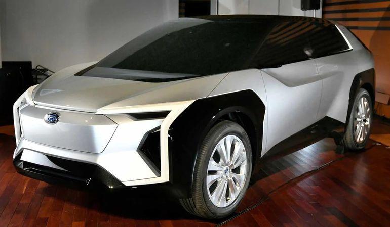 Subaru Evoltis - właśnie tak może wyglądać. Debiut elektrycznego crossovera w 2022 roku?