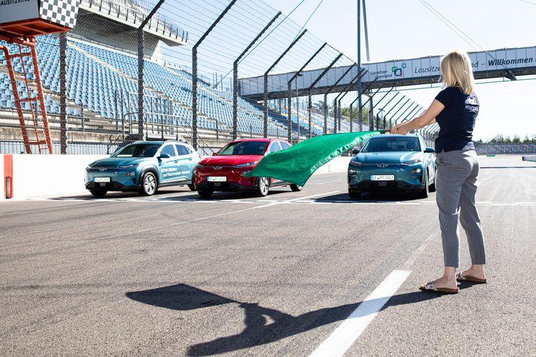 Hyundai Kona Electric z rekordowym zasięgiem na jednym naładowaniu