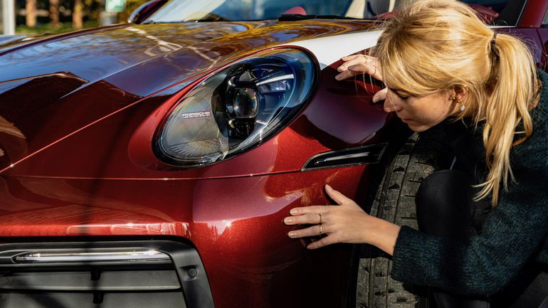 Laura Kukuk i Porsche 911 Targa 4S Heritage Design Edition