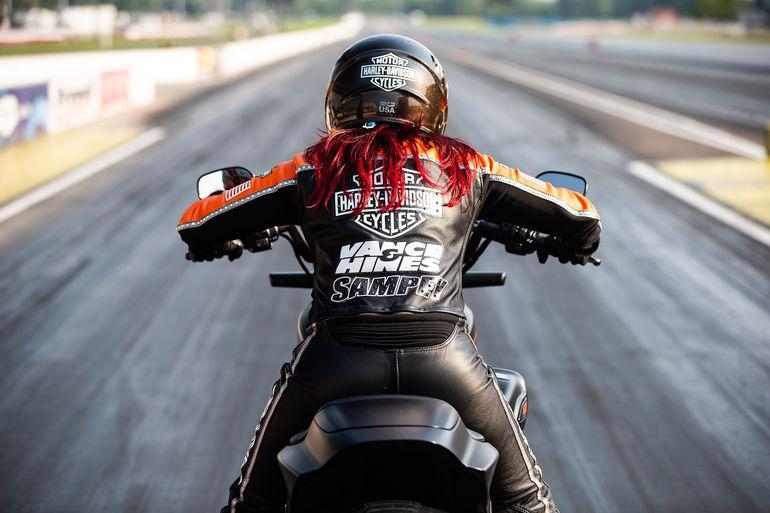 Angelle Sampey na modelu LiveWire ustanowiła nowe rekordy dla produkowanego seryjnie motocykla elektrycznego