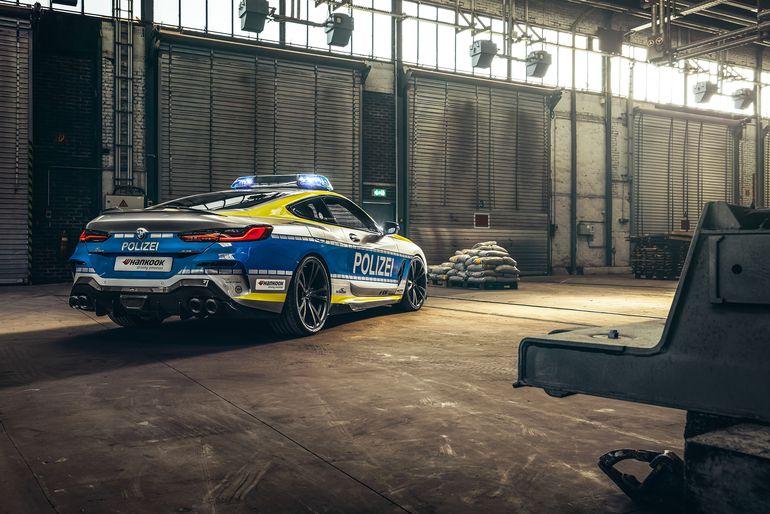 Police BMW M850i xDrive