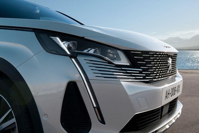 Peugeot 3008 – nowy SUV wyposażony w dwie opcje silników hybrydowych