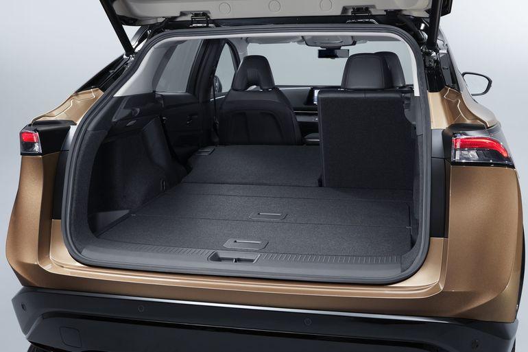 Nissan Ariya w końcu zaprezentowany. W pełni elektryczny crossover coupé wyjeżdża na drogi!