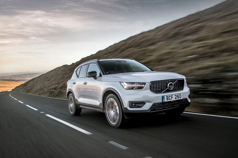 Volvo wprowadza nowy XC40 Recharge Plug-in Hybrid T4, drugą hybrydową wersję premium kompaktowego SUV-a