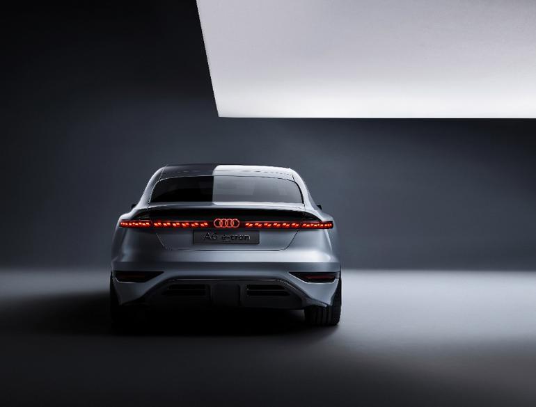 Audi A6 e-tron concept. Szybkie ładowanie i zasięg nawet do 700 km