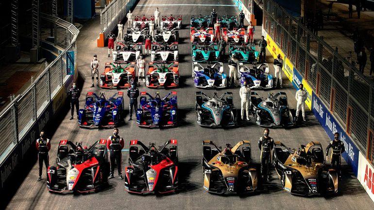 Ad-Dirjja E-Prix: Nyck de Vries wygrywa pierwszy nocny wyścig w historii Formuły E