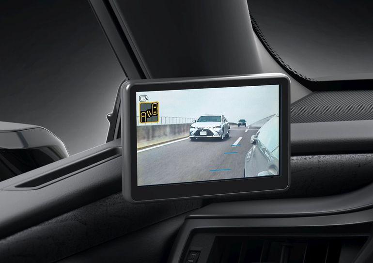 Lexus ES zaprezentowany. Hybryda czwartej generacji i całkiem nowa stylistyka