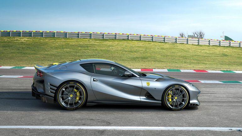 Ferrari 812 Superfast VS