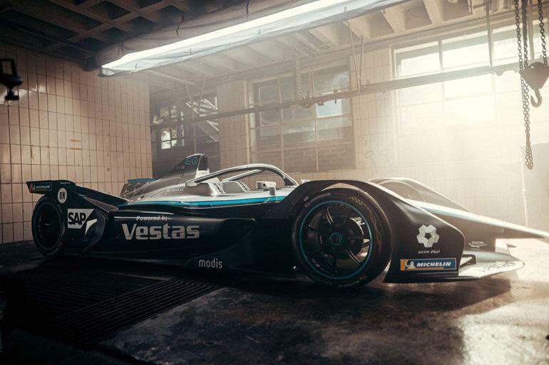 Mercedes-EQ Silver Arrow 02