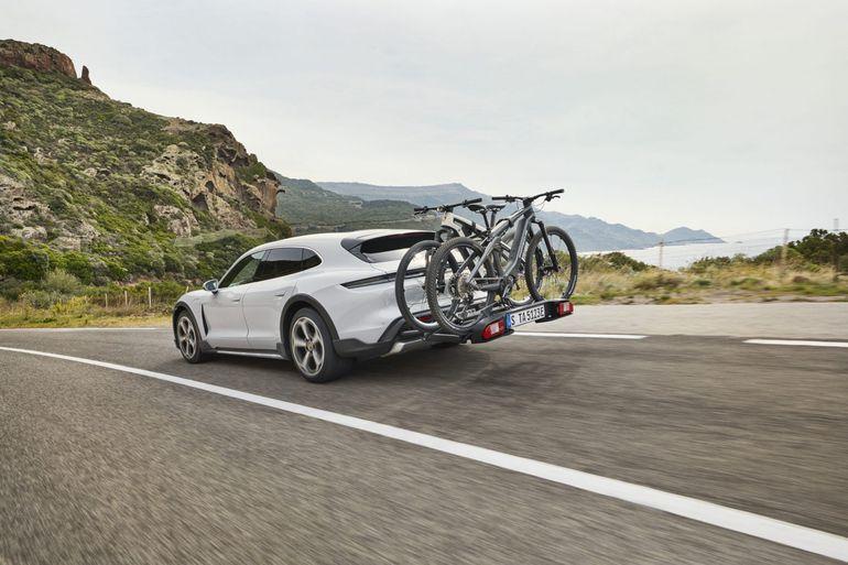 Porsche zaprezentował model Taycan Cross Turismo. Zobaczcie zdjęcia!