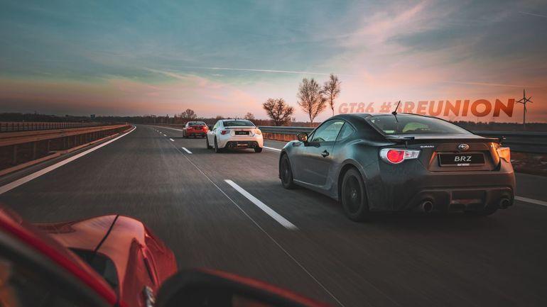 Toyota GT86 kontra Subaru BRZ - kto wygra wyścig na torze Łódź?