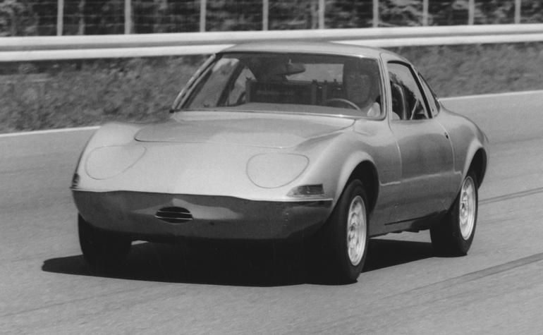 """Znacie historię rekordowego """"Elektro GT""""? To przodek współczesnego Opla Corsy‑e"""