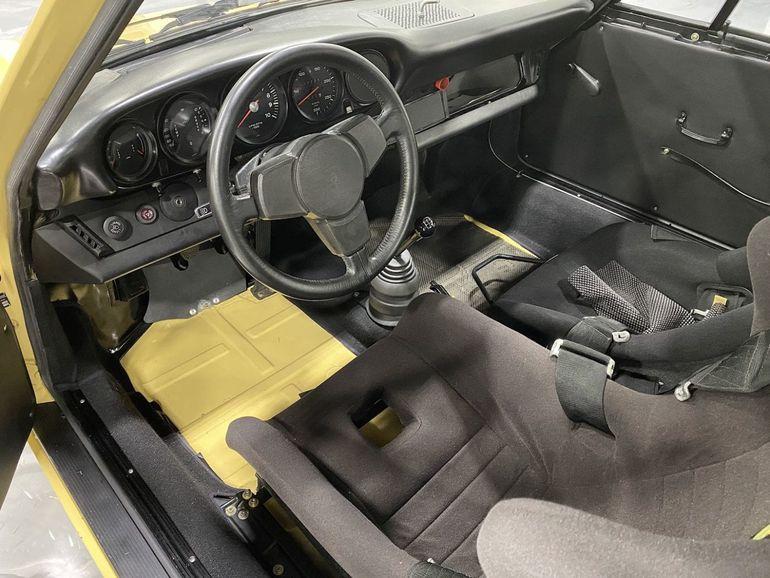 Porsche 911 RSR z 1974 roku - wóz Pablo Escobara wystawiony na sprzedaż!
