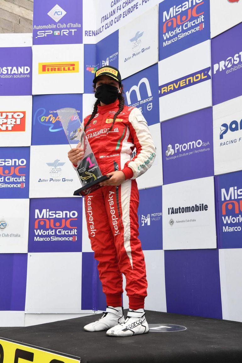 Hamda Al Qubaisi staje na podium Formuły 4