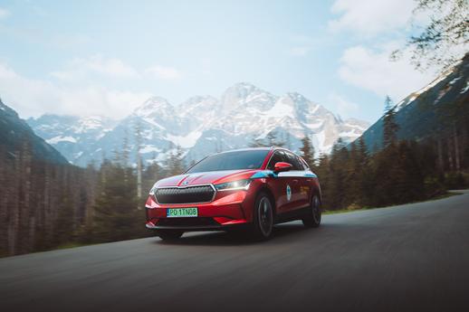 Elektryczna Škoda Enyaq iV pomoże ratownikom TOPR w codziennej pracy!