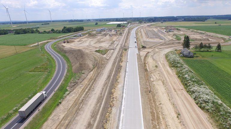 Ile kilometrów nowych dróg powstaje obecnie w Polsce?