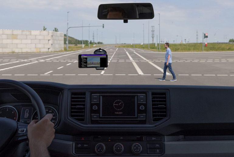 Porsche pracuje nad systemem ostrzeżeń w czasie rzeczywistym