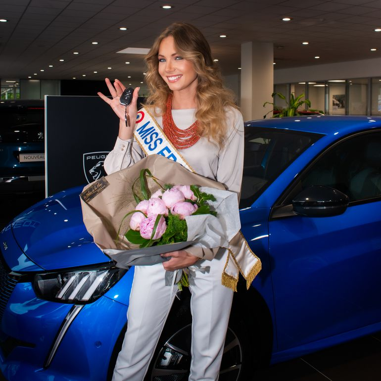 Amandine Petit, Miss Francji 2021, odebrała kluczki do Peugeot e-208