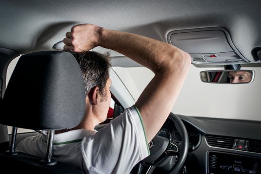 Jak prawidłowo siedzieć w samochodzie?