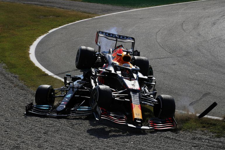 GP Włoch: kolizja Verstappena i Hamiltona