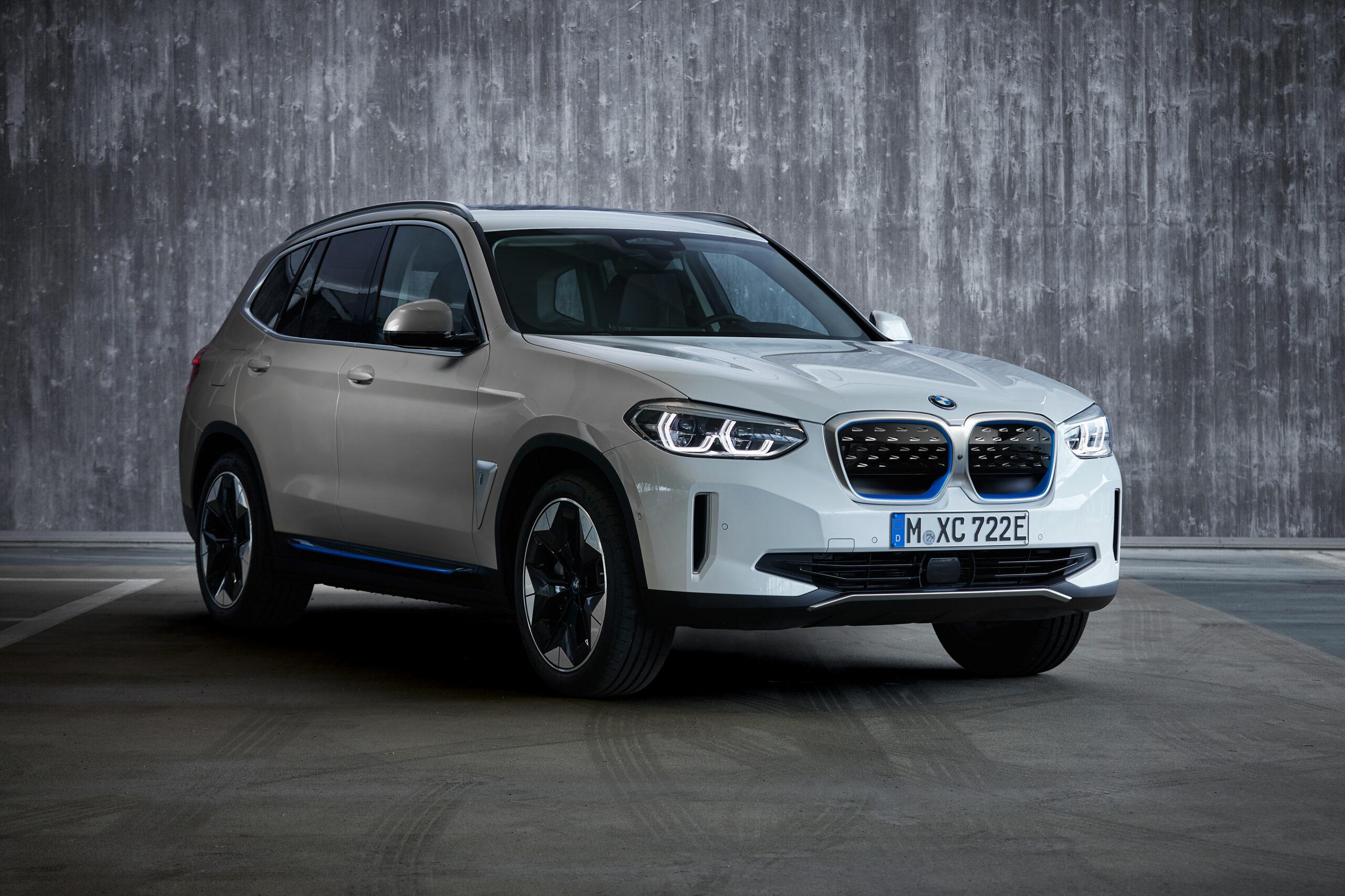 BMW iX3 - pierwszy w pełni elektryczny model z linii BMW X już dostępny w sprzedaży