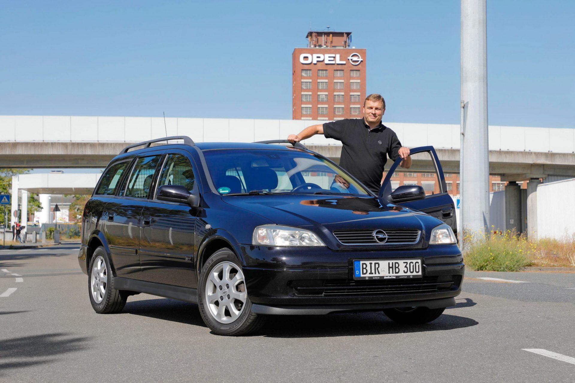 Ten Opel Astra ma przebieg 600 000 km. Marzenie o wiecznej młodości jest do zrealizowania